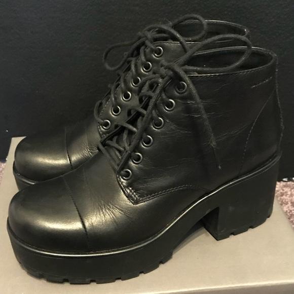 2cb5500cef9 Vagabond Dion black platform boot Urban Outfitters.  M 5b0b1d1bcaab445ccd26708c
